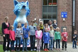 Einweihung des Großen Hauses mit Kindergruppe und Pappmache Fuchs